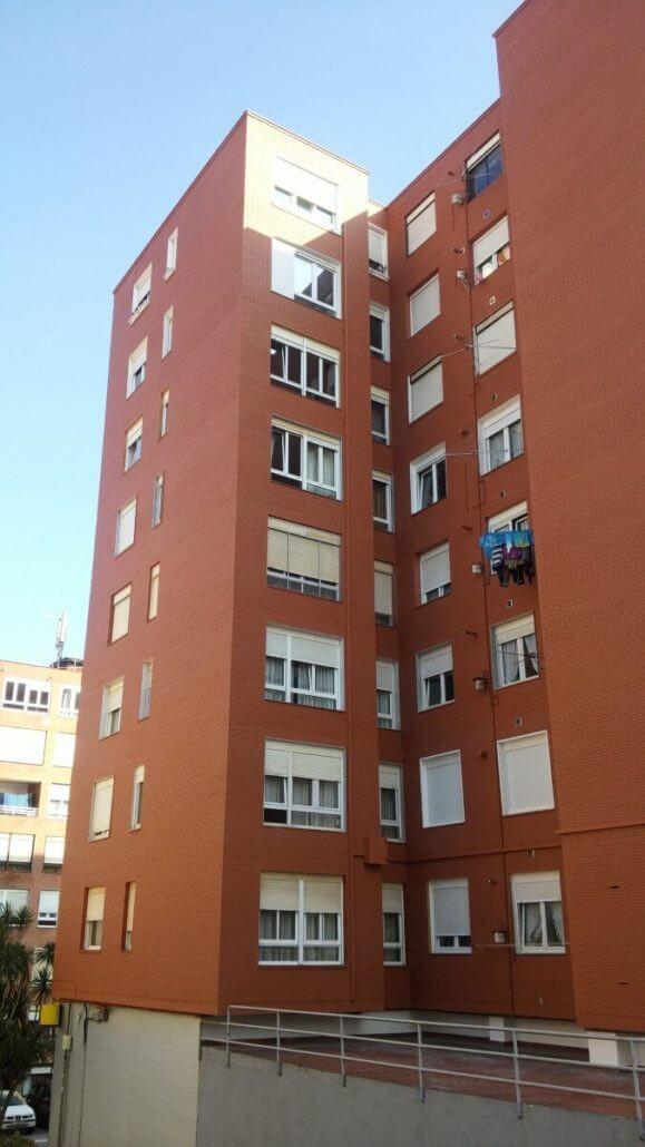 Repinor Reforma De Fachada Pintado Exterior 14 579x1030 santander torrelavega